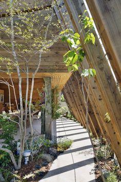 """COCOCHI Comfort Gallery """"UTSUWA"""" by UID Architects / Tajiricho, Fukuyama, Hiroshima, Japan"""