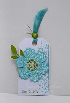 Mixed-Bunch Tag; the blue just stands out with the white-wonderful design combination!