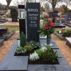 Ludwig Zentgraf - Grabmale » Galerie Gräber Cemetery Headstones, Cemetery Art, Cemetery Monuments, Tombstone Designs, Courtyard Landscaping, Cemetery Decorations, Funeral Flower Arrangements, Cemetery Flowers, Memorial Stones