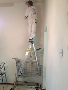 So many things wrong with this one. #Epic #ladder #safety #fail