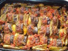 Μπιφτέκια με πατάτες και μελιτζάνες στη γάστρα - Daddy-Cool.gr