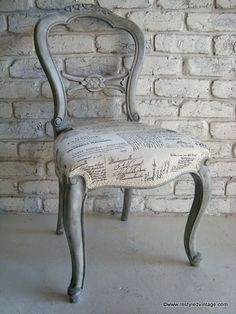 Superbe Restyled Vintage: French Script Chair   Beautiful Effect Layering  Techniques In French Linen And Old White Chalk Paint® Decorative Paint By  Annie Sloan.