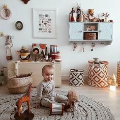 {Inspiração}💛#babyroom #scandinavia #decor #decoração #minimalista #quartodebebe #quartodemenino #quartoinfantil #decoração #tapetedecroche #tapete #crochet #crochê #tapetedecroche #carpet #ganchillo #trapillo #fiodemalha #yarn #knitting #instadecor #tendência #artesanal #boanoite #artesanato #manual #inspiration From #pinterest