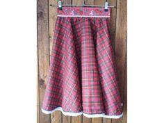 <p>Kruhová sukňa</p> <p>Materiál: Bavlna</p> <p>Veľkosť: S</p> <p></p>