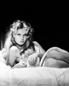 View Brigitte Bardot for Look Magazine, Madrid by Peter Basch on artnet. Browse upcoming and past auction lots by Peter Basch. Bridgitte Bardot, Julie Christie, Catherine Deneuve, Hollywood Glamour, Old Hollywood, Hollywood Fashion, Hollywood Actresses, 50s Actresses, Glamour Photographers
