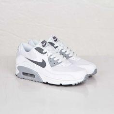 Gray Nike Shoes, Cute Nike Shoes, Cute Sneakers, Cute Nikes, Air Max Sneakers, Sneakers Nike, Nike Shoes Air Force, Nike Air Max, Swag Shoes