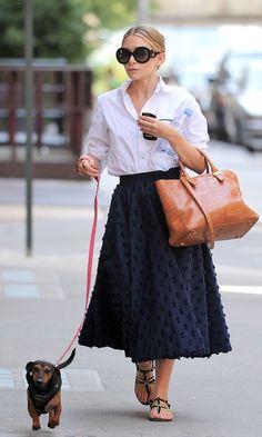 7 Stylish Shots of Ashley Olsen with Her Dogs. #style #fashion #olsentwins