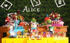 Alice in Wonderland | CatchMyParty.com