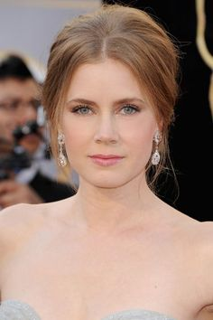 Oscars 2013: Best in Beauty | Amy Adams' soft rosy makeup and wispy French twist updo <3