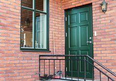 villa med gröna fönster - Google Search