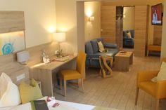 Die Doppelzimmer bieten 3-Sterne Komfort und verfügen über Dusche/Bad, WC, Telefon, SAT-TV, Getränke auf den Zimmern, Analog Internet Anschluss und teilweise Terrasse/Balkon und WLAN.