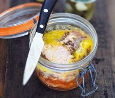 Vous allez vous régaler avec notre recette du rôti de porc cuit en bocal au miel. Chutney, Fish And Meat, French Food, Pasta, Charcuterie, Entrees, Food To Make, Brunch, Food And Drink