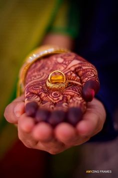 Wedding photography ideas indian mehendi ideas for 2019 photography indian Wedding photography ideas indian mehendi ideas for 2019 Engagement Ring Photography, Indian Wedding Couple Photography, Couple Photography Poses, Bridal Photography, Photography Ideas, Mehendi Photography, Indian Photography, Creative Couples Photography, Indian Wedding Photographer