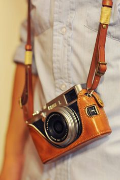 X100/ X100S COMBO set: Fujifilm X100/X100S Vintage Full Case [Italy COW Leather] + Strap - Kaza http://minivideocam.com/product-category/camera-cases/