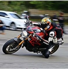 Ducati Monster 1100 Evo, Moto Ducati, Mv Agusta, Motorcycle Style, Bikers, Cars And Motorcycles, Motorbikes, Monsters, Naked