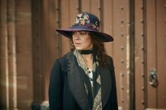 It's the penultimate episode of Peaky Blinders, and the Shelby boys are in a bit of a bind. Episode five is a very different beast to the action-packed episode four,. Aunt Polly Peaky Blinders, Peaky Blinders Costume, Grace Burgess, Peaky Blinders Season, Toms, Look At My, English Movies, Quirky Fashion, Gatsby Party