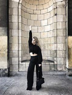 Michael Kors Leather Bag, All Black Everything, Palazzo Pants, Fashion Pants, Black Hoodie, Zara, Normcore, Crop Tops, Hoodies