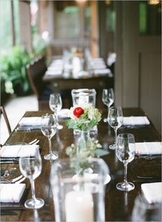 simple table decoration ideas #southernwedding #classicwedding #simpleweddingdecor http://www.weddingchicks.com/2014/01/09/southern-wedding/