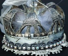 ❥ French crown...I need this...it would be perfect for my halloween costume!!!!!!!