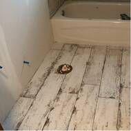 Vintage x Porcelain Wood look Wall & Floor Tile Wood Look Tile Bathroom, Ceramic Wood Tile Floor, Wood Look Tile Floor, Hardwood Tile, Porcelain Tile, Wood Like Tile, Cold Porcelain, Bathroom Ideas, Old Wood Floors