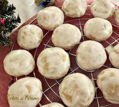 Turta dulce glazurata Camembert Cheese, Mashed Potatoes, Coconut, Fruit, Ethnic Recipes, Romania, Christmas, Sweets, Whipped Potatoes