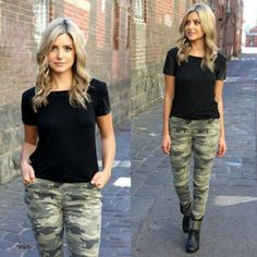 got into my camo pants this morning- yippee! Camo Jeans Outfit, Camo Outfits, Girl Outfits, Casual Outfits, Camo Dress, Camo Fashion, Military Fashion, Look Fashion, Autumn Fashion