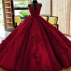 Lange bodenlangen Ballkleid Quinceanera Kleider Abendkleider glamourösen Abendkleid Burgunder Graduaction Kleider You are in the right place about Evening Dress fitted Here we offer you the Red Ball Gowns, Ball Gowns Prom, Ball Dresses, Homecoming Dresses, Dress Prom, Puffy Prom Dresses, Flapper Dresses, Red Gowns, Dresses Dresses