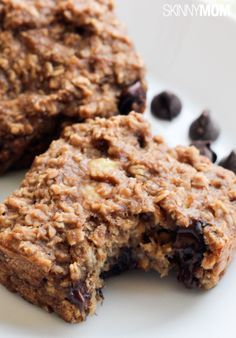 These oatmeal bars are the perfect healthy snack option for the kids! These oatmeal bars are the perfect healthy snack option for the kids! Healthy Snack Options, Healthy Desserts, Delicious Desserts, Yummy Food, Healthy Cookies, Eat Healthy, Healthy Living, Breakfast Recipes, Snack Recipes