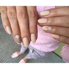 Аккуратный маникюр, Акцент на безымянном пальце, Бежевый маникюр гель лаком, Гель лак на овальных ногтях, Идеи маникюра на овальные ногти, Идеи осеннего дизайна ногтей, Маникюр в осеннем стиле, Маникюр на средние ногти