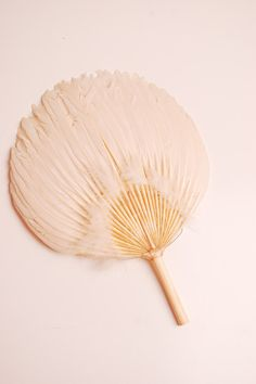 Vintage 1920s Flapper Fan - 20s Feather Fan... need to make one!