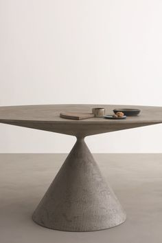 Clay oval table By desalto, design Marc Krusin, clay Collection