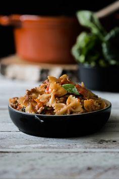 In nur 20 Minuten zum Pasta-Glück. Und das Beste daran: Du brauchst nur einen Topf, ersparst dir eine Menge Abwasch und hast so mehr Zeit zum Genießen. Jeder kann kochen. Besonders mit den One-Pot …