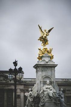Queen Victoria Memorial in front of Buckingham Palace