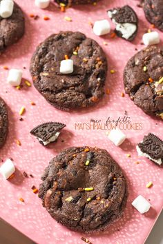 Oreo Funfetti Marshmallow Cookies | Annie's Noms - These Oreo Funfetti Marshmallow Cookies are the perfect combination of rich, crunchy biscuits, soft, chewy marshmallows, colourful funfetti and my famous cookie dough.