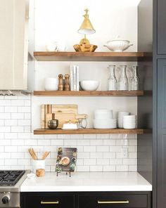 Kitchen Style, kitchen cabinets, kitchen organization, kitchen organizations and of course. The kitchen is the center of the home, so it's important to have a space you love! These pins are my favorite kitchens and kitchen ideas. Home Decor Kitchen, Kitchen Furniture, New Kitchen, Kitchen Ideas, Awesome Kitchen, Kitchen Hacks, Kitchen Layout, Kitchen Interior, Decorating Kitchen