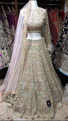 New Bridal Dresses, Party Wear Indian Dresses, Indian Gowns Dresses, Indian Bridal Outfits, Wedding Dresses For Girls, Wedding Lehenga Designs, Designer Bridal Lehenga, Indian Bridal Lehenga, Pakistani Bridal Dresses