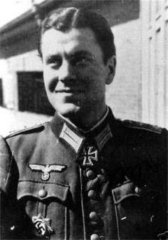 ✠ Herbert Singer (August 9th, 1919 - March 21st, 1998) 05.05.1945 Hauptmann Kdr II./Füs.Rgt 22 1. Infanterie-Division NKiG: 01.05.1945, Hauptmann, Kdr. II./Füs.Rgt. 1. Infanterie-Division