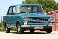 Seat 124 from Spain Old Vintage Cars, Old Cars, Antique Cars, Volkswagen, Fiat Abarth, Retro Cars, Amazing Cars, Motor Car, Cars And Motorcycles