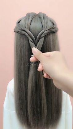 A special-looking ponytail hairstyle Easy hairstyle - Beliebt Kurze Haare Ideen Easy Hairstyles For Medium Hair, Box Braids Hairstyles, Easy Down Hairstyles, Short Hair Styles Easy, Medium Hair Styles, Hair Videos, Hair Hacks, Hair Makeup, Hair Beauty