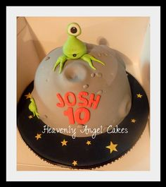 Alien cutie cake - Heavenly Angel Cakes Birthday Cakes, Birthday Ideas, Alien Cake, Alien Party, Space Aliens, Angels In Heaven, Party Treats, Heavenly, Monsters