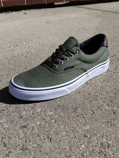 54d50de6127 Vans Era 59 shoes in Ivy have that classic styling vans has been known for  since