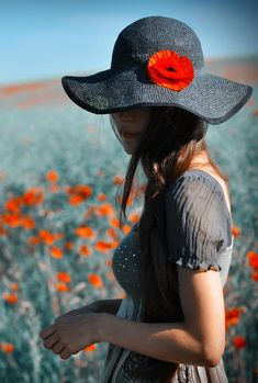 - The social network for meeting new people Yuri, Alone Girl, Splash Photography, Red Poppies, Lady, Color Splash, Tankini, Photos, Pictures