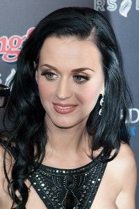 Katy Perry  - English (father) and Portuguese, German, Irish, English (mother)