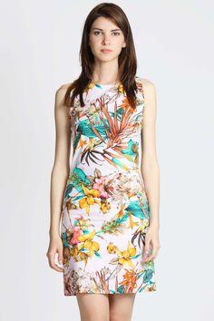Una gran cartera de diseñadores emergentes, varios concursos de ropa online, un…