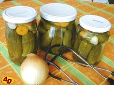 PRAVÉ ZNOJEMSKÉ OKURKY RECEPT OD PRABABIČKY Slovak Recipes, Czech Recipes, Russian Recipes, Pickling Cucumbers, Tomato Vegetable, Home Canning, Cooking Recipes, Healthy Recipes, Food Hacks