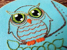 Owl Embroidery Pattern I love the eyes! Owl Embroidery, Embroidery Patterns Free, Cross Stitch Embroidery, Owl Patterns, Crochet Cross, Animal Totems, Square Quilt, Needlework, Sewing Projects