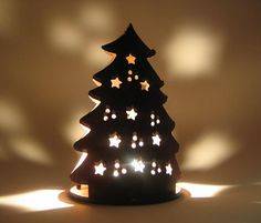 Luminous tealight lamp Christmas tree motive made of salt dough, after drying with ac . Hand Built Pottery, Slab Pottery, Ceramics Projects, Clay Projects, Christmas Clay, Christmas Ornaments, Ceramic Christmas Decorations, Pottery Classes, Clay Ornaments