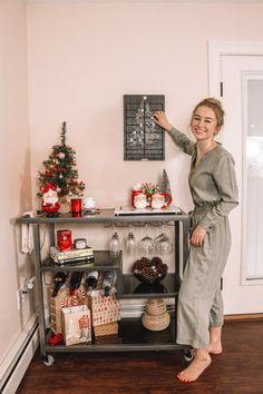 """Check out our internet site for even more info on """"bar cart decorating"""". It is actually an excellent location for more information. Diy Bar Cart, Gold Bar Cart, Bar Cart Styling, Bar Cart Decor, Bar Carts, Sweet Carts, Shabby, Hot Chocolate Bars, Christmas Mood"""