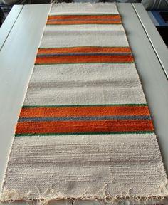 Table Runners, Weaving, Rugs, Fabric, Home Decor, Crochet Carpet, Farmhouse Rugs, Bed Feet, Loom