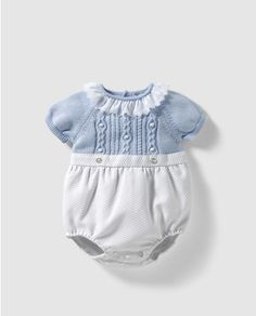 Ranita combinada de bebé niño Dulces en azul Knit Baby Sweaters, Knitted Baby Clothes, Knitted Romper, Cute Baby Clothes, Baby Girl Fashion, Kids Fashion, Baby Boy Outfits, Kids Outfits, Vintage Baby Boys